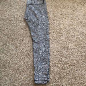 Lululemon Size 8 leggings.